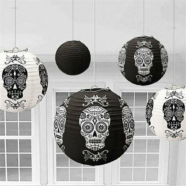 Halloween 6 hanging lanterns with skulls